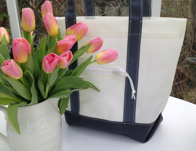 White & grey sailcloth tote bags